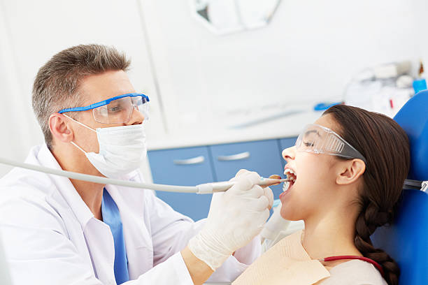 What Does A Dental Hygienist Do?