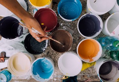 How to Choose Colours for Painting Your Small Rooms